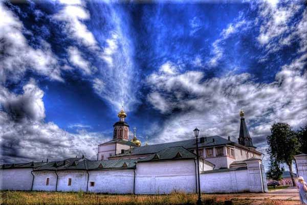 Валдайский Иверский монастырь, Д.Ю. Даньшин,  http://www.iveron.ru/2/0/1/