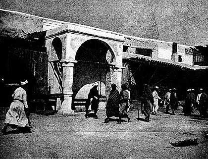 Дм. Ф. Соколов. Улица в Джедде, 1898. http://www.vostlit.info/Texts/Dokumenty/Arabien/XIX/1880-1900/Sokolov/4.JPG