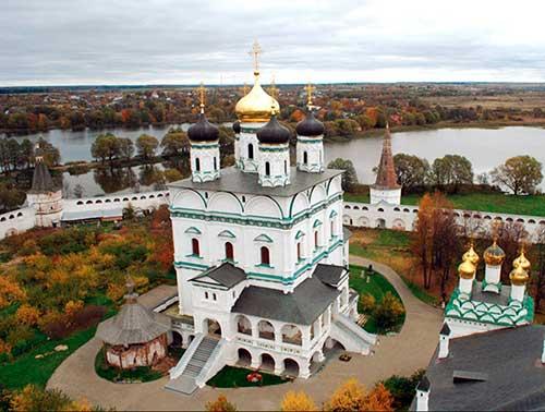 Иосифо-Волоцкий монастырь. Церковь Успения Б.М.