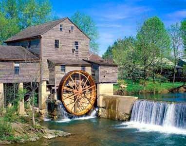 Водяная мельница с подливным колесом, http://ukhtoma.ru/plotina3.html