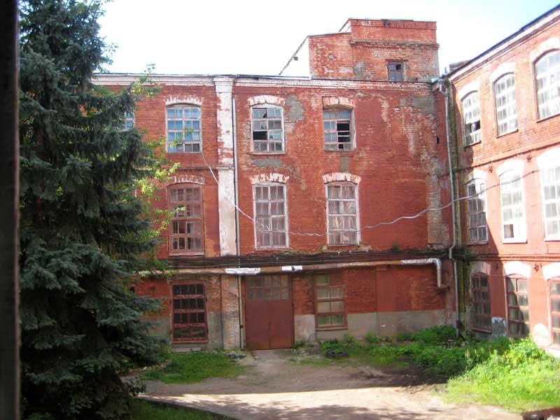 Вид-2 на Большую Костромскую льняную мануфактуру не с парадных ворот, 2010 год.