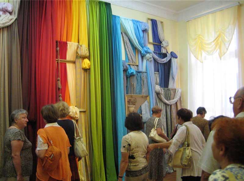 Уникальная продукция Большой Костромской льняной мануфактуры. Музей завода, 2010 год.