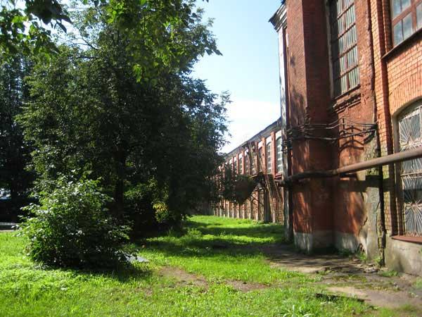 Вид-1 на Большую Костромскую льняную мануфактуру не с парадных ворот, 2010 год.