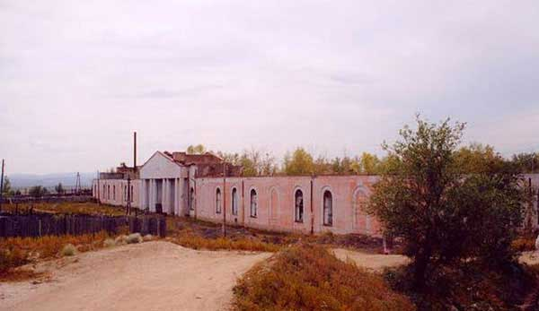 Кяхта. Гостиный двор, http://www.baikaltravel.ru/tourism/Kyaht/monuments/