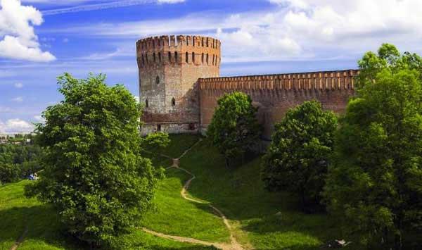 Смоленская крепостная стена, http://strana.ru/places/197518