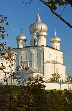 Хутынь, Варлаамо-Хутынский женский монастырь. Собор Спаса Преображения. http://sobory.ru/photo/index.html?photo=42480
