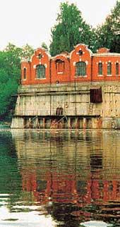 http://wikimapia.org/13722008/ru/Старинный-водозабор-Рублёвской-водопроводной-станции
