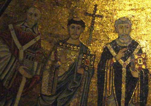 Иннокентий II (крайний слева – папа Римский 1130-1143) на мозаике апсиды Санта-Мария-ин-Трастевере (Рим). Фрагмент  http://dic.academic.ru/pictures/wiki/files/65/Apse-left_side.jpg