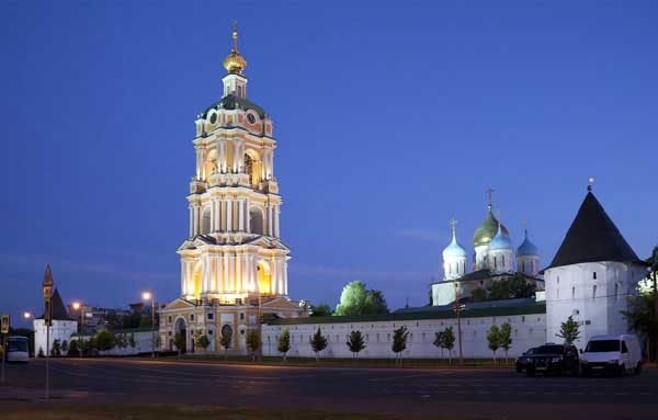 Новоспасский монастырь, http://upload.wikimedia.org/wikipedia/commons/3/3c/Novospassky_Monastery-3.jpg