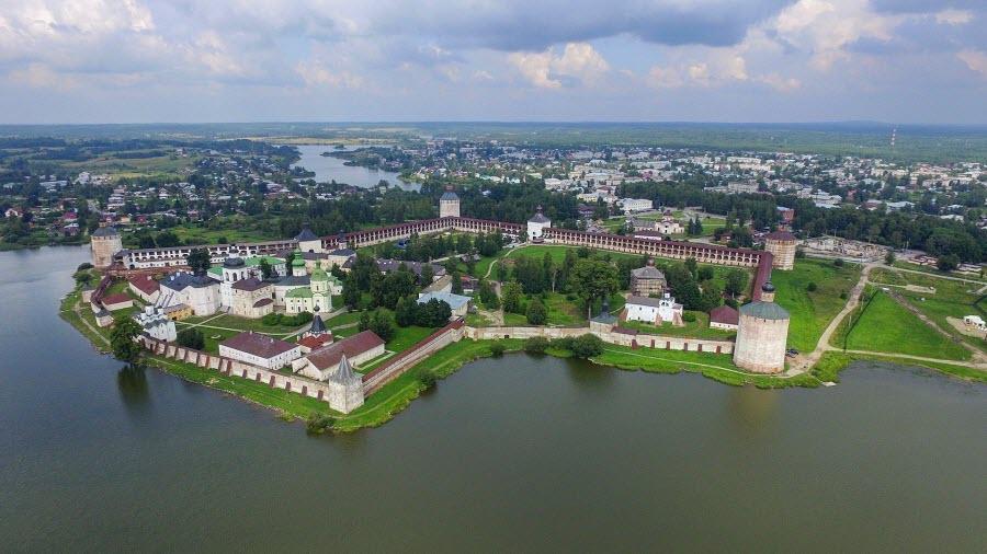 Кирилло-Белозерский монастырь. Фото из Википедии