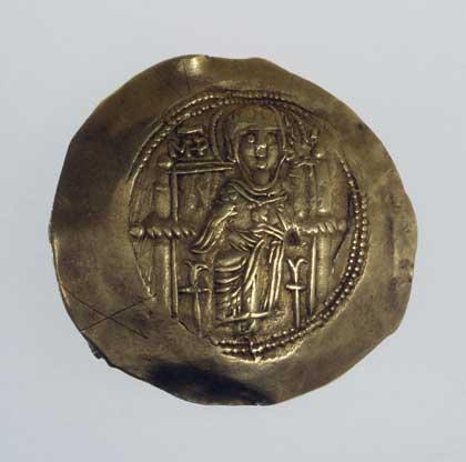 Иперпер. Византия, 1185–1195, Исаак II // золото, чеканка; диам. 2,9 см, вес 4,14 г. Государственный Эрмитаж; http://www.hermitagemuseum.org