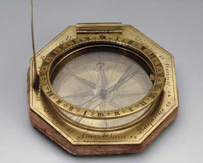 Часы солнечные экваториальные универсальные аугсбургского типа, начало XVIII // Франция; медные сплавы, сталь, стекло.  Государственный Эрмитаж, http://www.hermitagemuseum.org