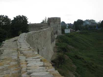Крепость Изборск, вид со стены, 2014